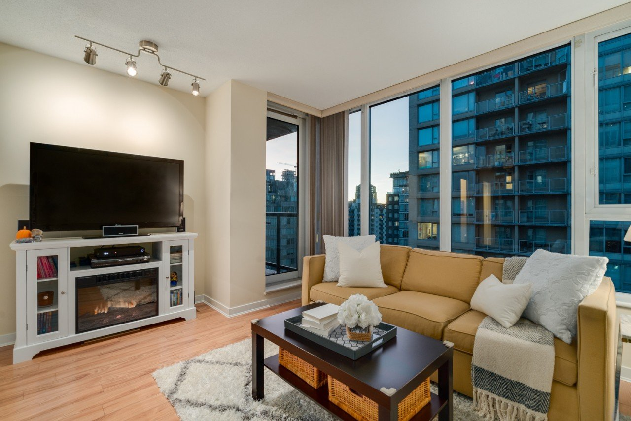 #1701 – 1010 Richards Street, Yaletown
