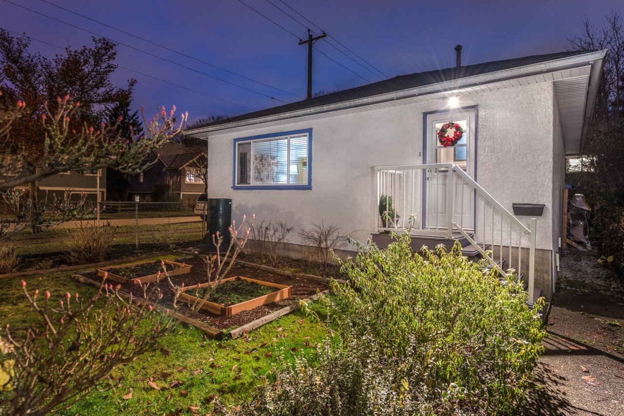 1005 E 22ND AVENUE, FRASER VE (R2226363)